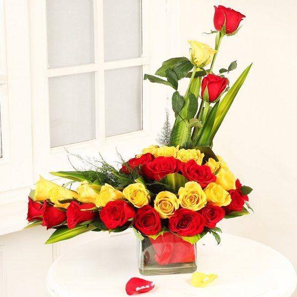 Glass Vase Bouquet Iris Florists Mangalore Online Delivery Of Flowers Cakes Arrangements And Decorations